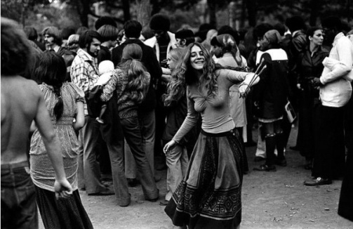 Dancing-in-The-Park-1970s-2